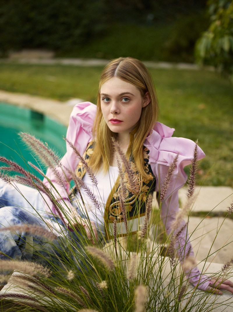 ELLE-UK-February-2017-Elle-Fanning-by-Thomas-Whiteside-1