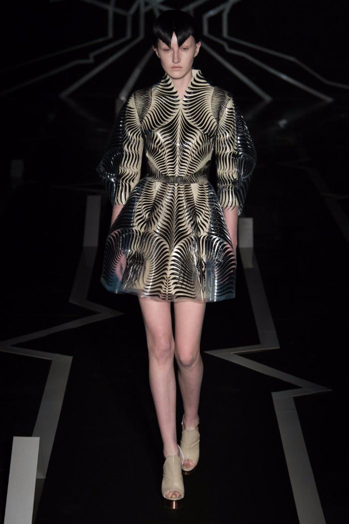 Iris van Herpen Haute Couture SS 2017 Paris11