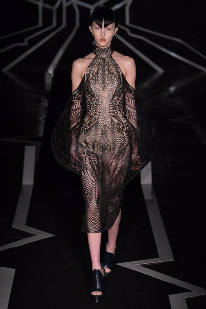 Iris van Herpen Haute Couture SS 2017 Paris14