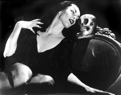 A Throwback to The Vampira Show (1954)