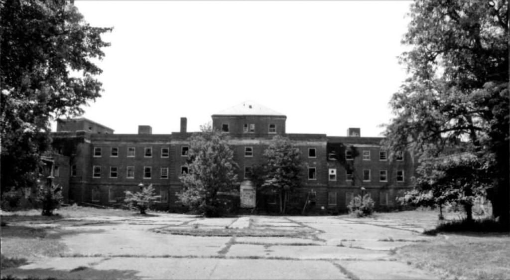 Glenn Dale Hospital – Abandoned and Crumbling