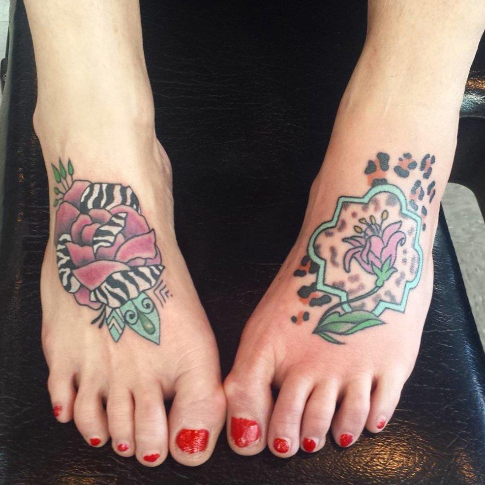 тату эскизы легкие на ногу великолепные варианты татуировок на ноге