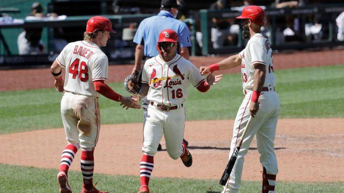 Big bats, Wainwright's quality start lead Cardinals to 9-1 win