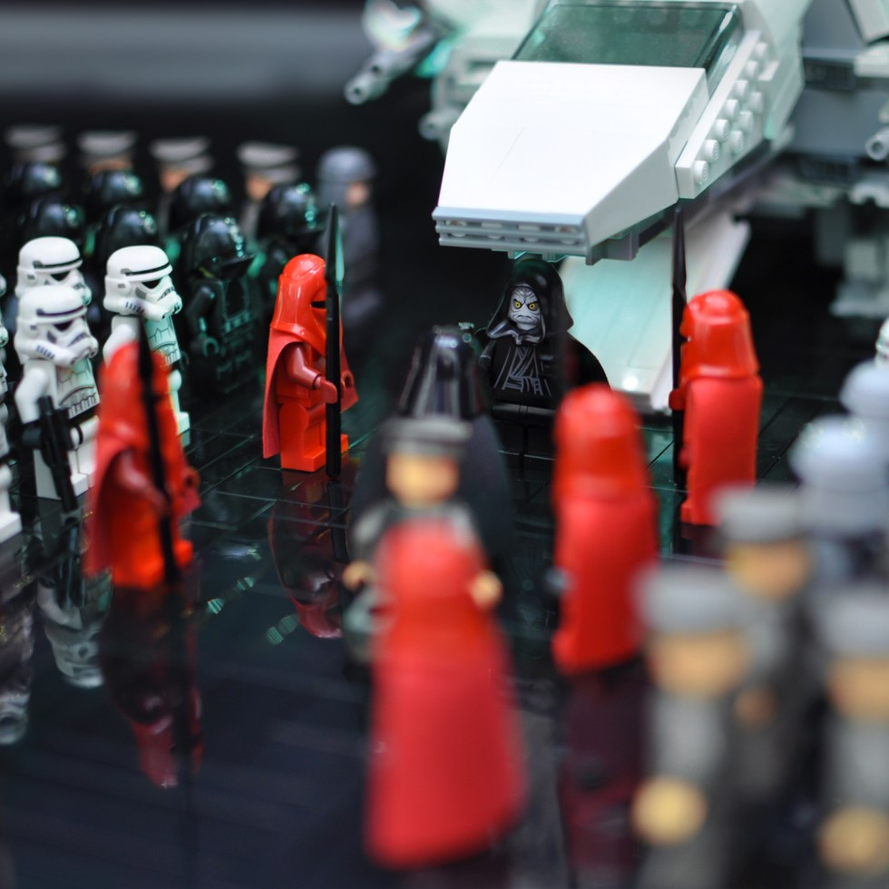 A look at the Lego Star Wars minifigures from 2005.