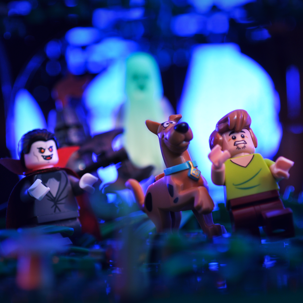 A look at the Lego Scooby-Doo minifigures.