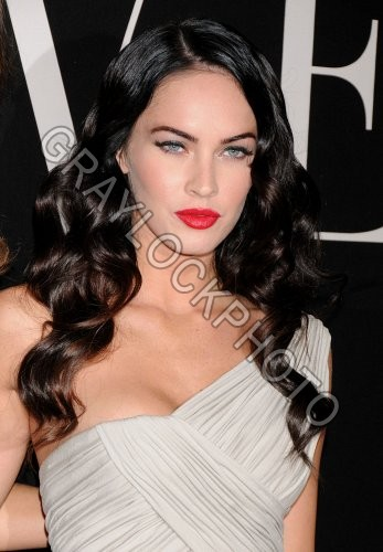 http://graylockphoto.com/ImageFolio42_files/cache/images/~Entertainment~20090707~Armani_Prive_Couture~MeganFox5192.jpg