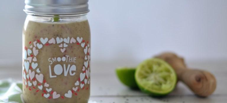 Avocado-Pfirsich-Smoothie mit grünem Tee