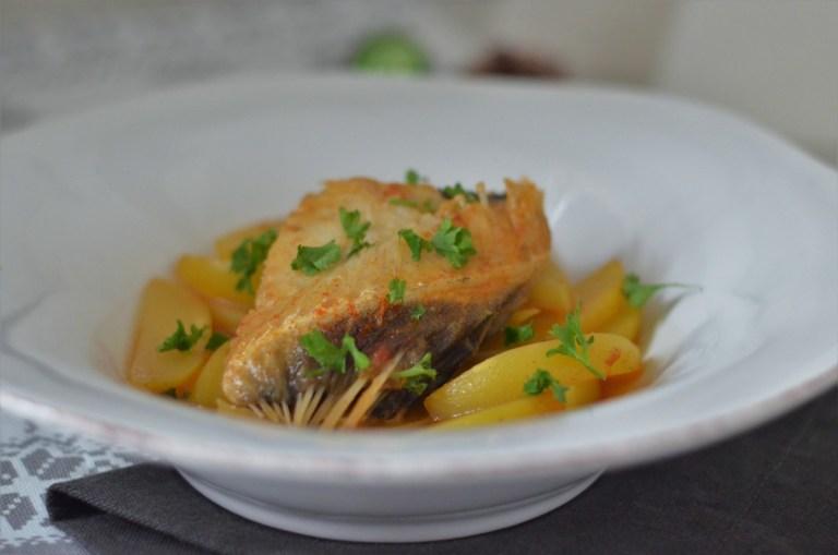 Bacalaomit Kartoffeln in Paprikasauce