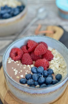 Happy Food: Overnight Oats mit Schokopudding & frischen Beeren