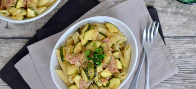 Pasta Wednesday: Pasta mit Zucchini & Pancetta in Parmesan-Butter-Sauce