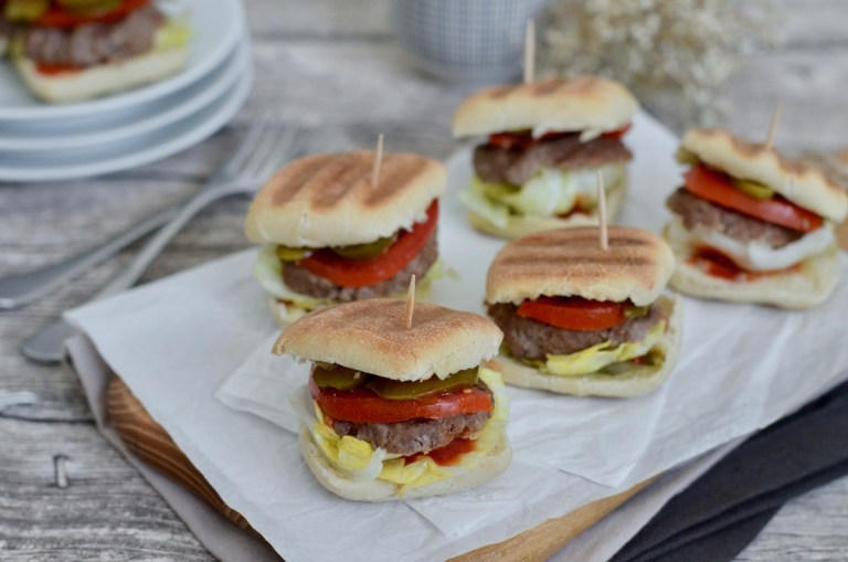 Leckere Mini-Burger