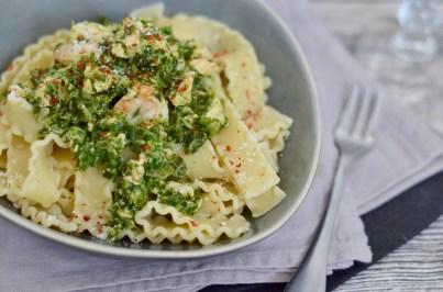 Pasta Wednesday: Mafaldine mit Lachs, Garnelen & Grünkohl
