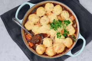 Rindsgulersch mit gratinierten Kartoffelklößen
