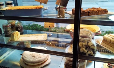 There are many cakes, tarts aof the Austrian Pastry World to choose from