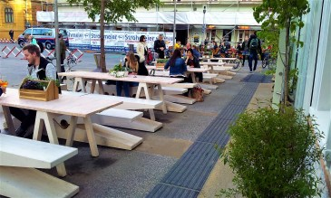 The patio at the Sonnenfelsplatz Roundabout at the Campus