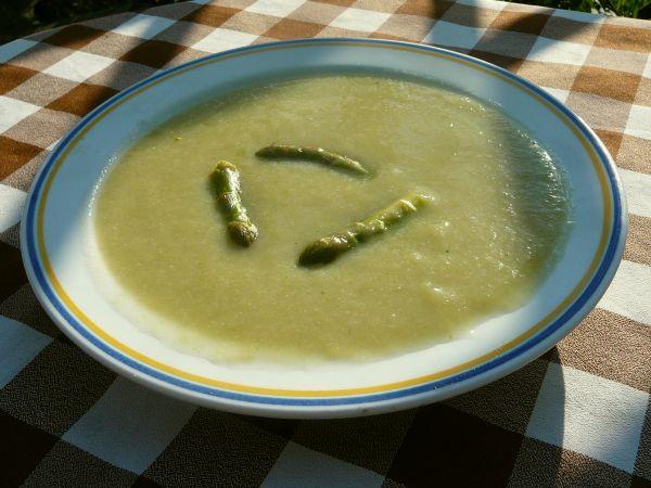 zupa szparagowa z ziemniakami