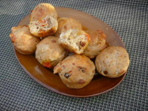 muffinki z serem i suszonymi pomidorami2