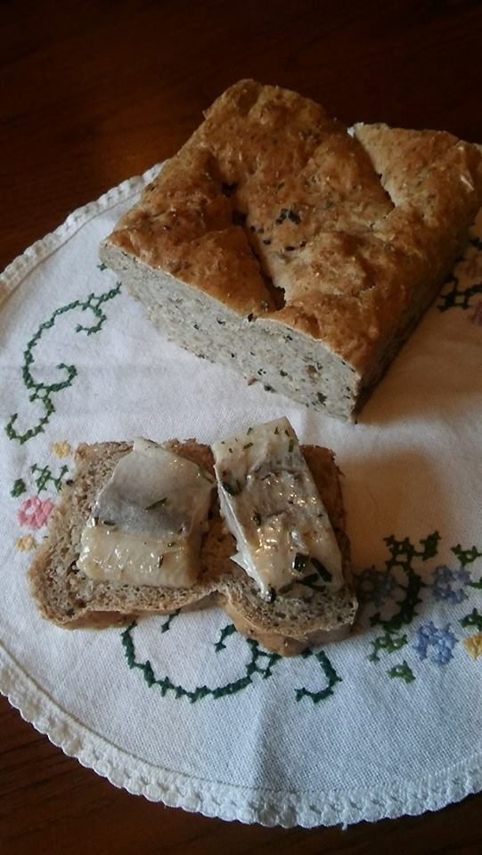 chleb razowy z ziarnami1