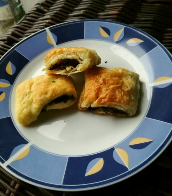 paszteciki francuskie ze szpinakiem i pieczarkami