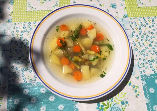 zupa jarzynowa ze szparagami