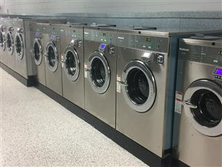Heavy duty washers of laundromat in clarksville, tn