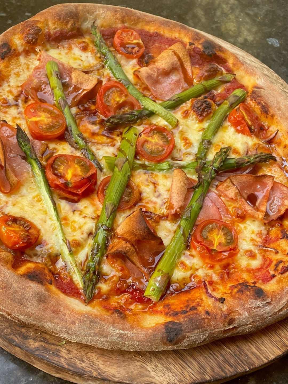 Mortadella and Asparagus pizza