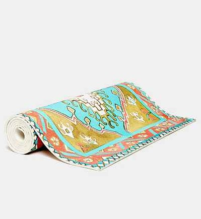 Magic Carpet Yogamat, Urban Outfitters - verkrijgbaar via Urban Outfitters http://www.urbanoutfitters.com/urban/catalog/productdetail.jsp?id=31177736&category=UOWW-WACTIVE