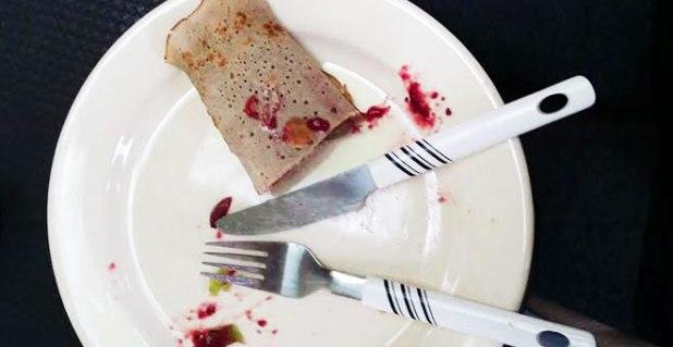 creative-with-buckwheat-pancake-fruit-and-jam
