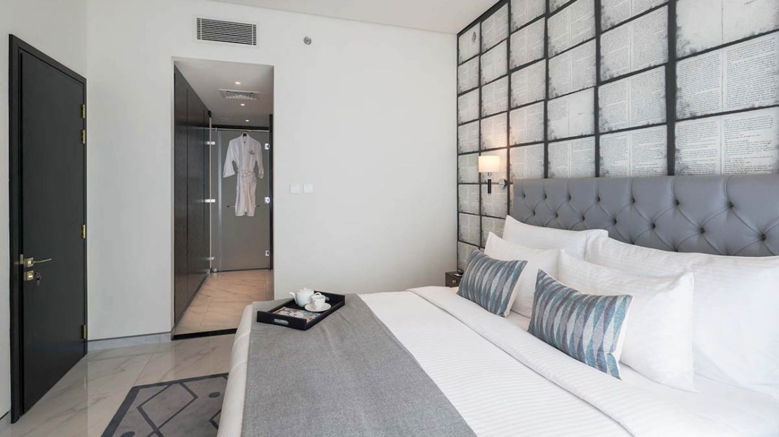 luxury bedroom in business bay