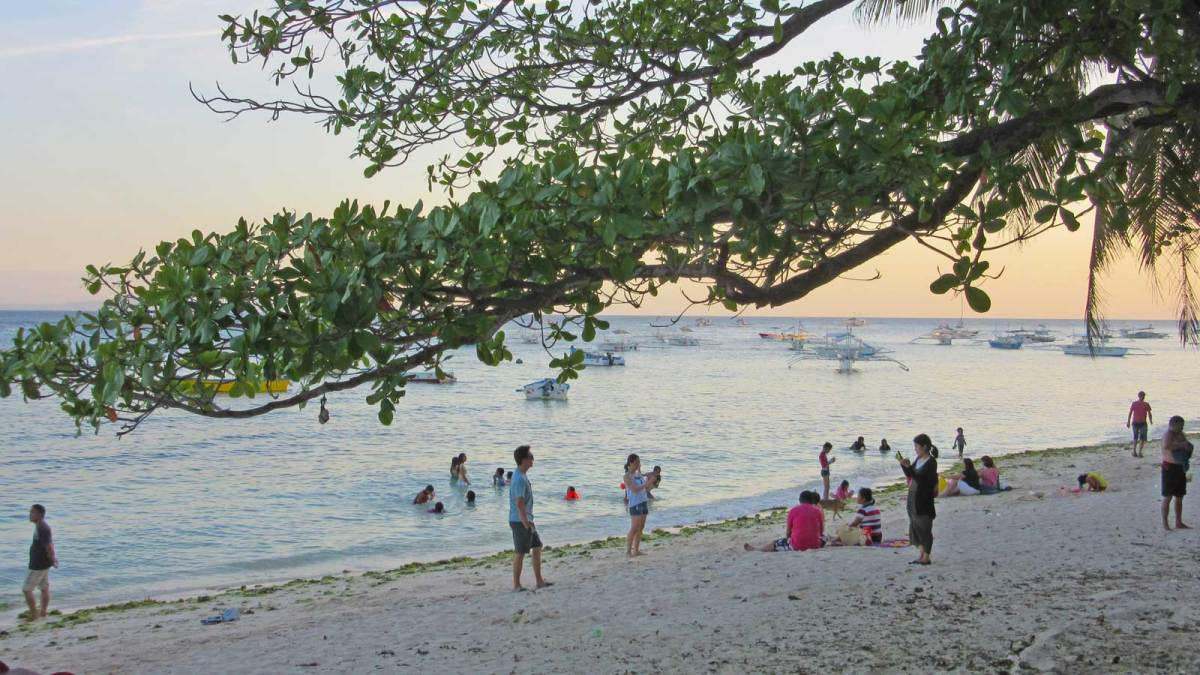 panglao-alona-beach-1