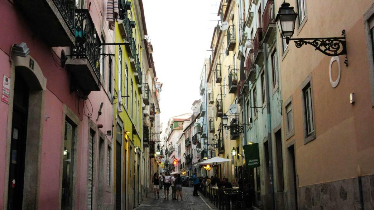 Lisbon_barrio-alto-3