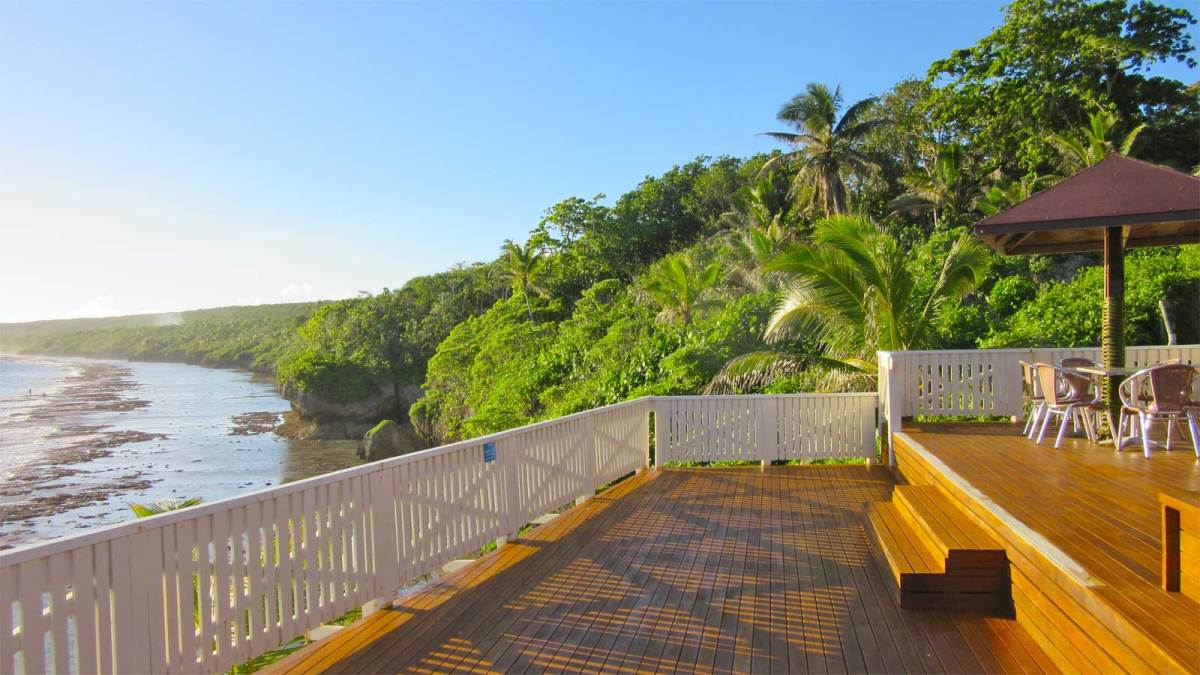 Niue-scenic-resort-deck