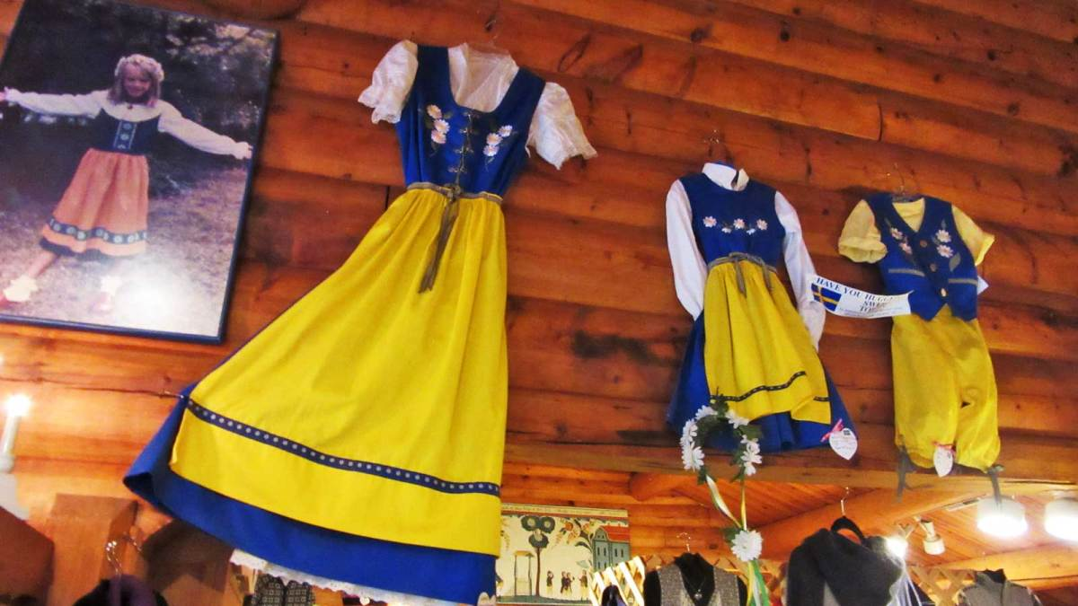 door-county_al-johnsons-dresses