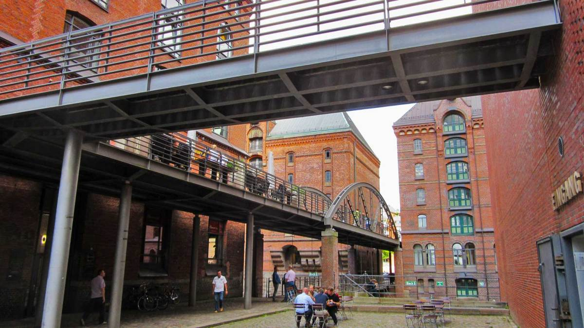 hamburg_warehouse-district-2