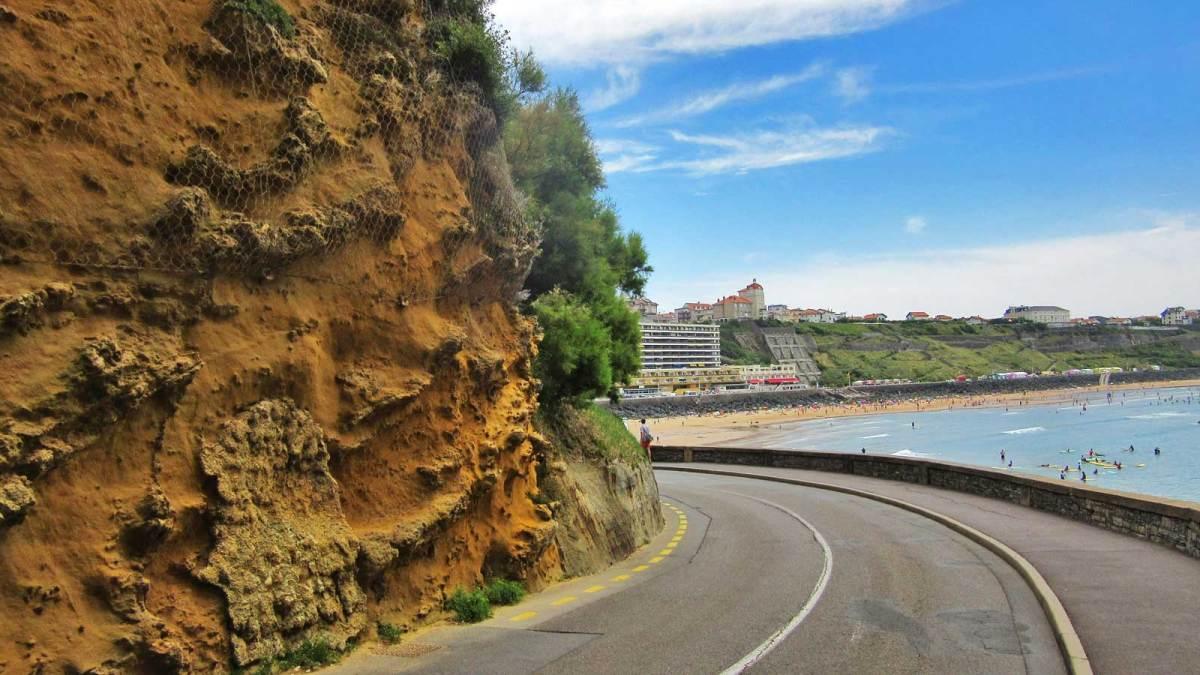 biarritz_winding-road
