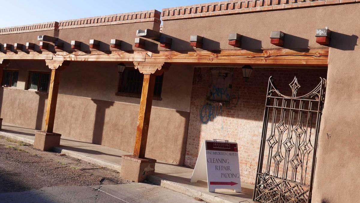 santa-fe_adobe-building-1