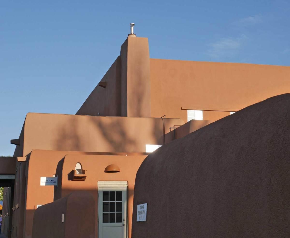 santa-fe_adobe-building-3