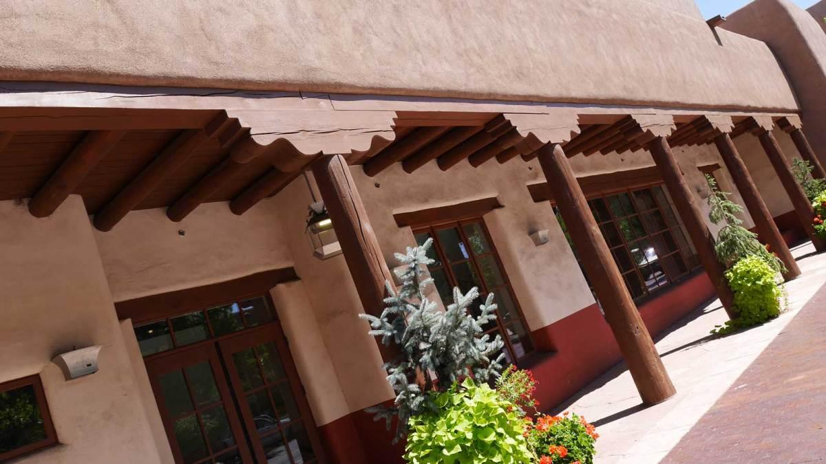 santa-fe_adobe-building-5