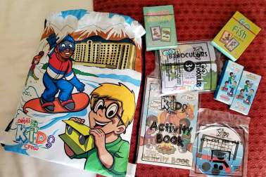 Omni La Mansion del Rio Kid Packs