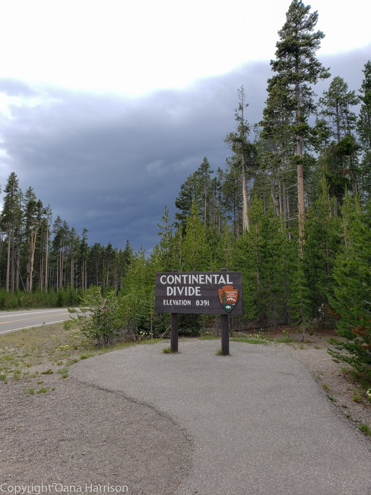Yellowstone-Continental-Divide-sign