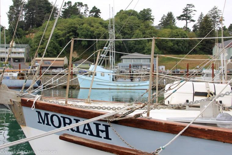 Newport-OR-Moriah-boats-in-harbor