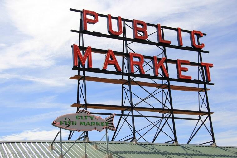 Pike-Place-Market-sign-Seattle-WA-148-sign