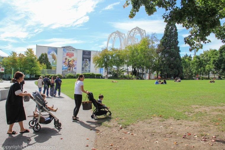 Space-Needle-women-with-strollers-in-the-park-Seattle-WA