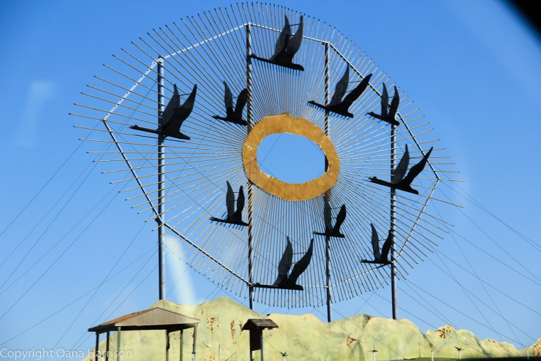 Geese-in-flight-sculpture-Enchanted-Highway