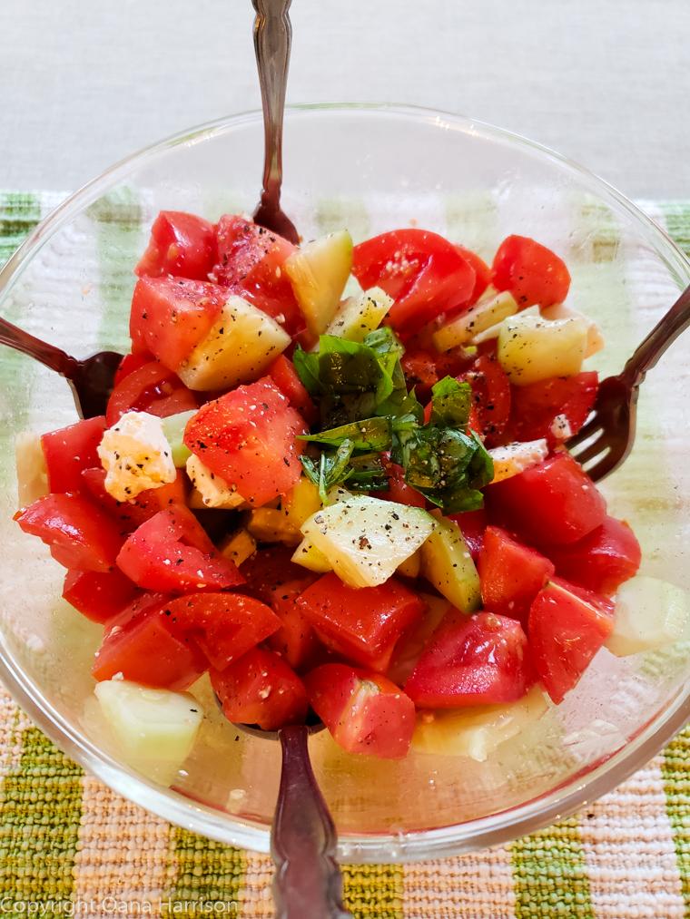 Sallaberry-de-Valleyfield-Canada-tomato-salad