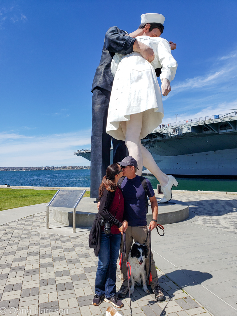 San Diego, California, Unconditional Surrender kissing statue