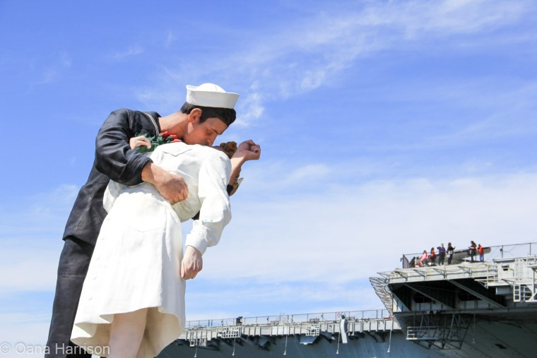 San Diego, California, the kiss statue, Unconditional Surrender