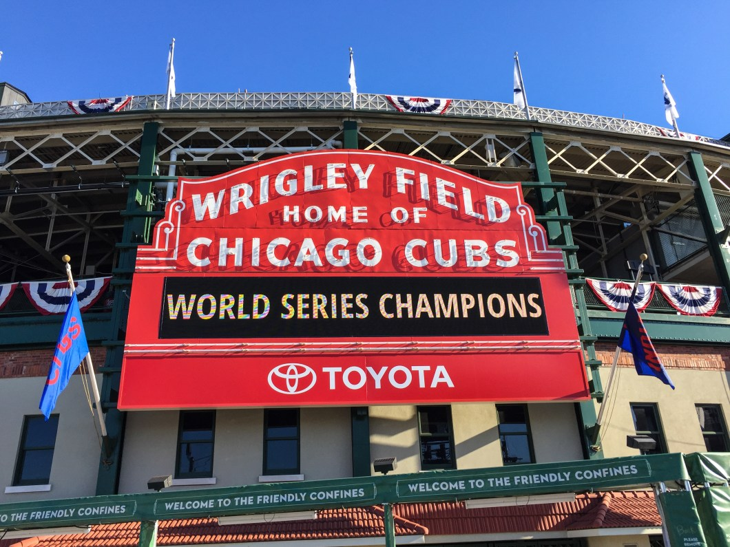 Wrigley_Field_Cubs_Parking_Guide