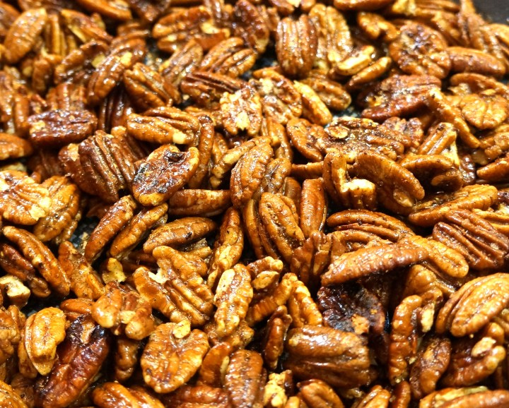 Keep stirring to make sure the pecans are uniformly coated with spice.