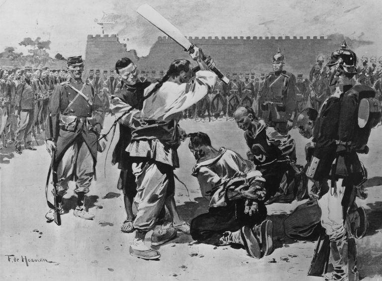 קיסר אדום: 100 שנות השפלה לאומית